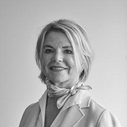 sw Mentner Tina Portrait